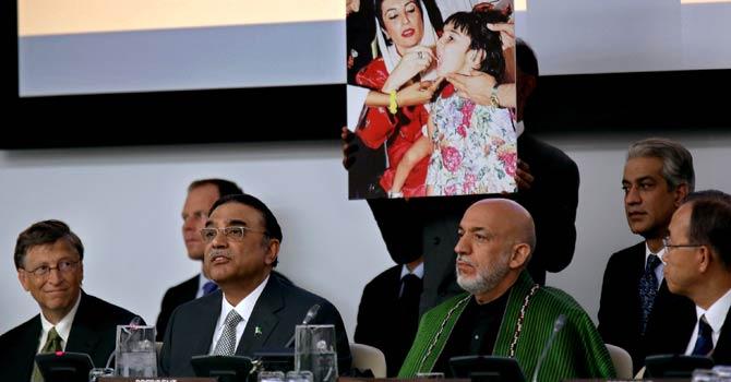 Zardari-Karzai-AP-670