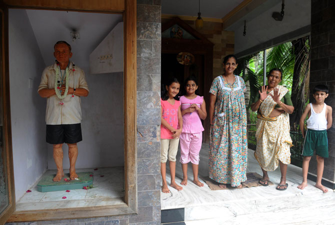 Relatives of the late Andrew Machado, a dairy farmer, commissioned the Sequeiras to complete a full-length statue that now stands proudly at the entrance to his family home in Vasai.