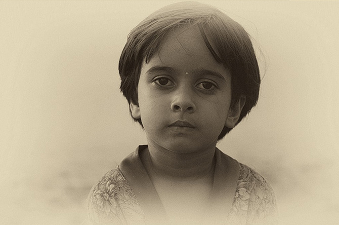 If I were to say that this is a picture of a Baloch princess taken from the British India Office Library archives, people would look adoringly at this lovely child.  In reality, she is just a kid photographed recently in the Benazir Park in Clifton, Karachi.