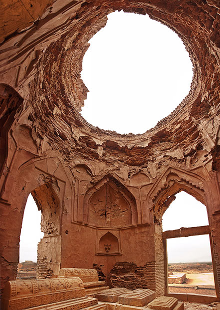A brick tomb of the Samma royal family members. Samma were the first dynasty who made Thatta their capital, and this is the tomb of Jam Unner, who was their first and founding ruler. [Image is a stitch of 4 photographs] - Photo by Nadir Siddiqi/Dawn.com