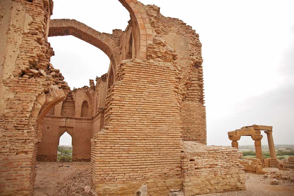 A general view of the Jamia Masjid ruin. This is the earliest mosque built in the Makli necropolis and was built in the Samma period during the 14th century. - Photo by Nadir Siddiqi/Dawn.com