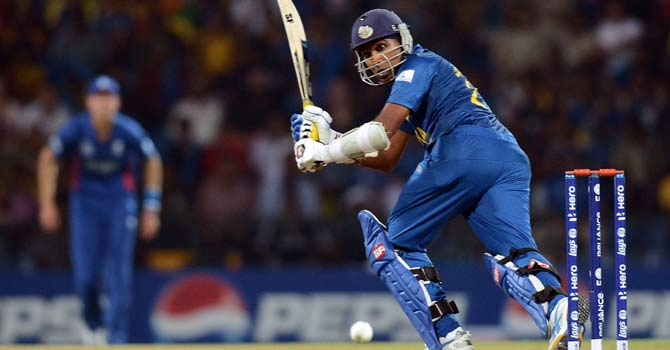 Mahela Jayawardene plays a shot ? Photo by AFP