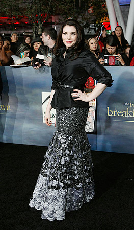 "Writer Stephenie Meyer poses at the premiere of ""The Twilight Saga: Breaking Dawn - Part 2"" ? Reuters Photo"