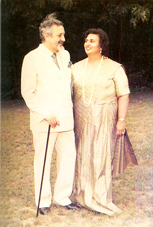 Ardeshir Cowasjee with wife, Nancy Dinshaw. – Photo courtesy Sama Books
