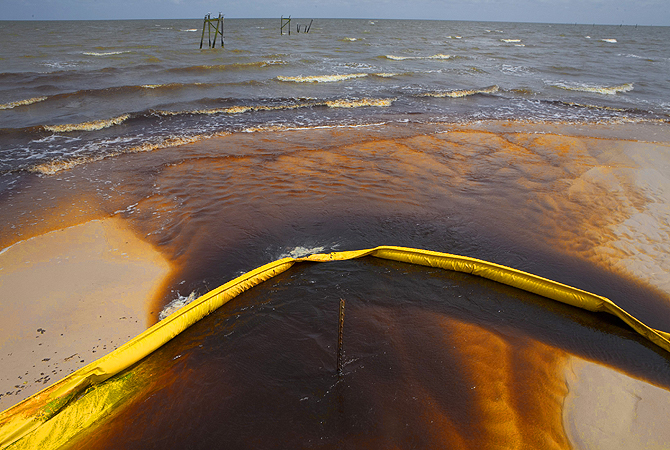 "The US government temporarily banned BP Plc from federal contracts on Wednesday over its ""lack of business integrity"" in the Deepwater Horizon oil spill in 2010, a move that the British company had said could force it to rethink its entire US Operations.?Photo by Reuters"