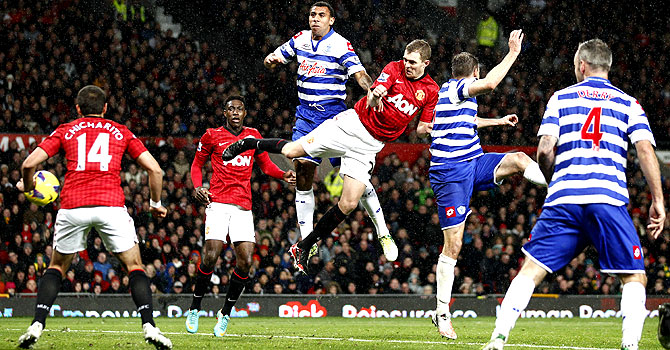 manchester united, qpr, manchester united qpr, epl, premier league, arsenal aston villa, english premier league, harry redknapp, Jonny Evans, Darren Fletcher, Javier Hernandez