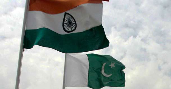 PakistanIndiaFlagsRE_670