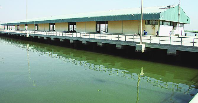 Private jetties, politics stunt Korangi harbour's growth