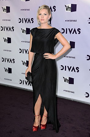 Elisha Cuthbert arrives at VH1 Divas on Sunday, Dec. 16, 2012, at the Shrine Auditorium in Los Angeles. ? AP Photo