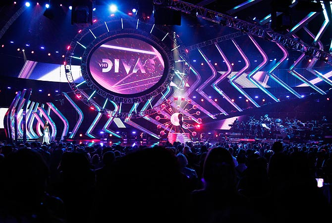 A general view of the stage is seen before a tribute to Donna Summer during the VH1 Divas 2012 show in Los Angeles, December 16, 2012. ? Reuters Photo