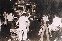 216px-Sikh_man_surrounded_1984_pogroms