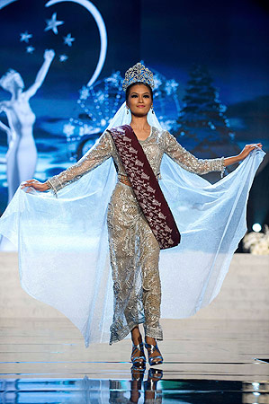 Miss Philippines Janine Tugonon performs onstage at the 2012 Miss Universe National Costume Show at PH Live in Las Vegas, Nevada December 14, 2012. ? Reuters Photo