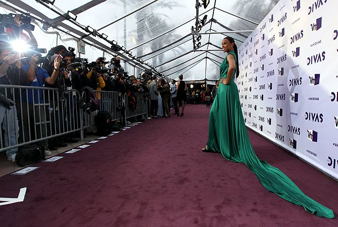 Kelly Rowland arrives at VH1 Divas on Sunday, Dec. 16, 2012, at the Shrine Auditorium in Los Angeles. ? AP Photo