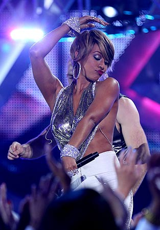 "Singer Keri Hilson performs onstage during ""VH1 Divas"" 2012 at The Shrine Auditorium on December 16, 2012 in Los Angeles, California.   ? AFP Photo"