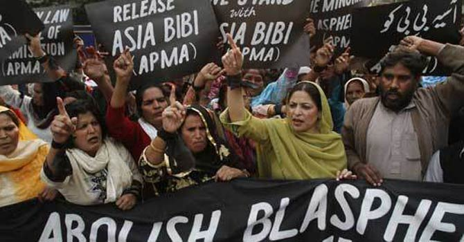 Pakistani Christian begs Spain to give wife asylum