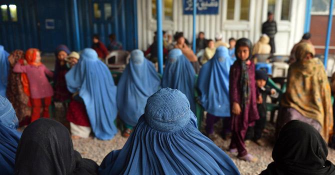 Afghan-refugees-670