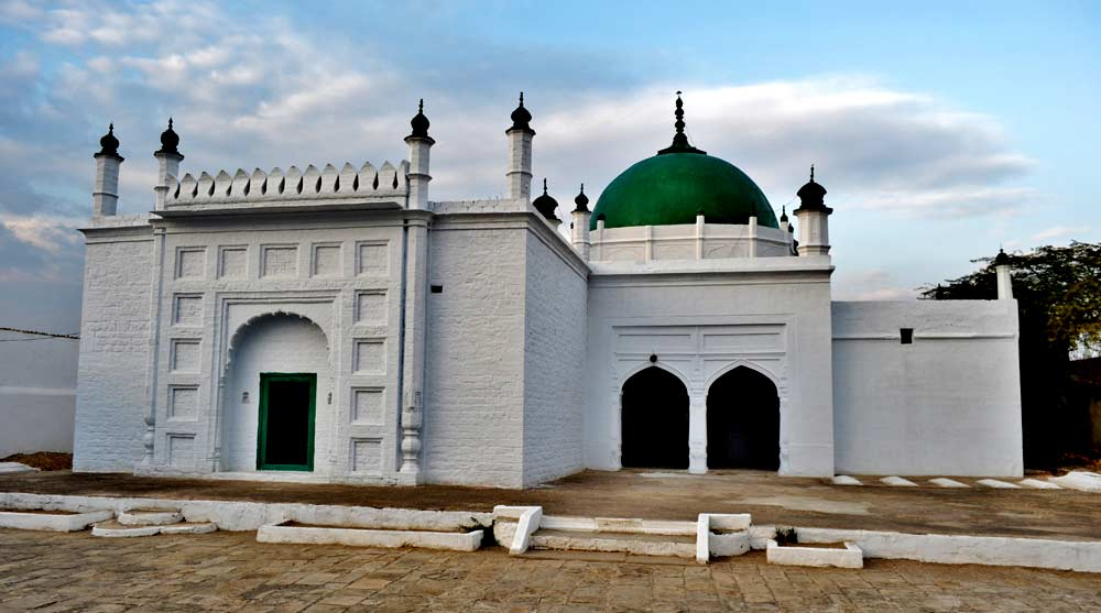 The shrine of Syed Abdullah Gillani, Noori Badshah in Makhad.