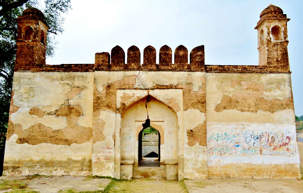Remains of an old sarai (inn) near Injra village built by the Mughal emperor Babur.