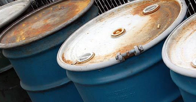 Oil_barrels_file_670