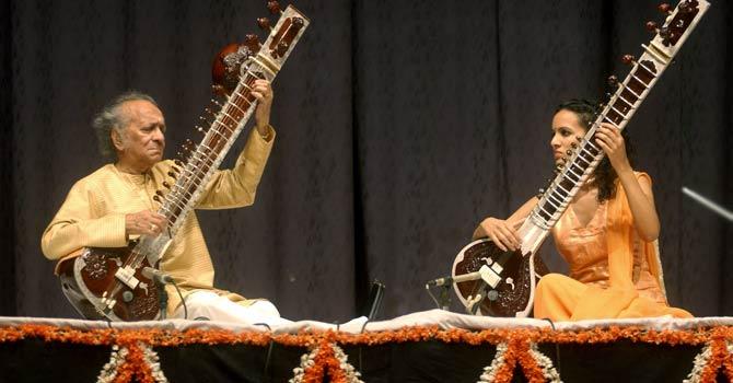 ravi-shankar-anoushka-afp-file-670