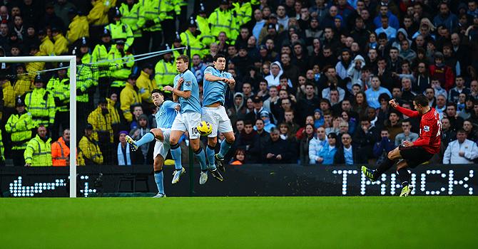 robin van persie, goal, manchester united, manchester city, manchester derby
