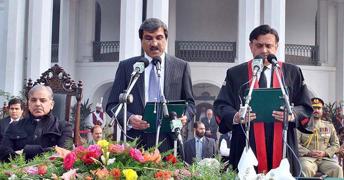 Shahbaz-Sharif-Oath-app-670