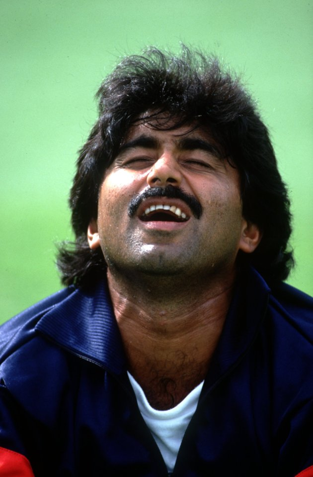 Javed Miandad is considered to be one of the finest batsmen produced by Pakistan. He represented Pakistan for 20 years (1976-96).
