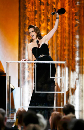 Tina Fey accepts the award for ?Outstanding Female Actor in a Comedy Series? for her role in ?30 Rock?. ?Photo by Reuters