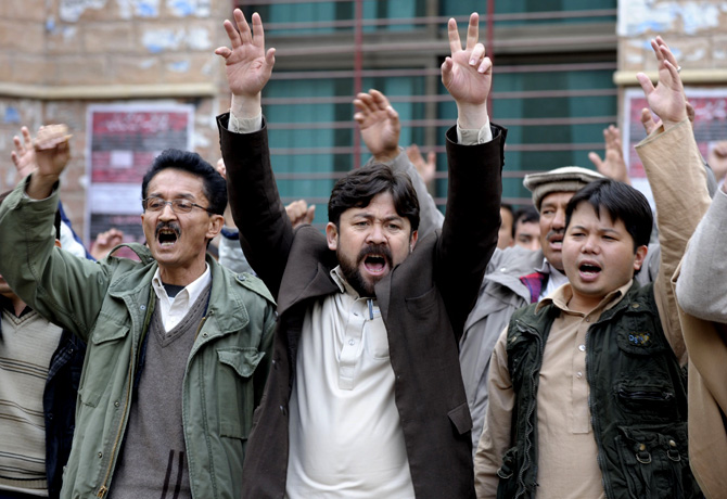 People chant slogans in a protest in Quetta on Jan 11, 2013, against the bomb attacks. – Photo by AFP