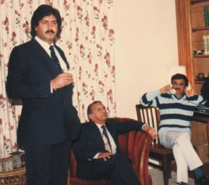 Sarfraz shares a drink with former Pakistan cricket team manager, journalist, author and diplomat, late Omar Qureshi (seated) in Karachi in 1978.