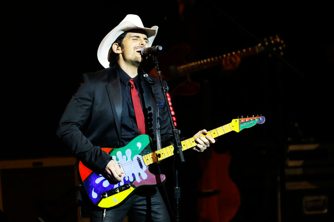 Country singer Brad Paisley performs during the ball. ?Photo by AP