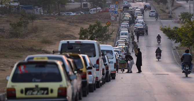 Motorists queue up for CNG in Islamabad. - File photo