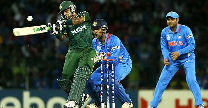 zaheer abbas, nasir jamshed, junaid khan, pakistan india kolkata, pakistan india odi series, pakista india 2nd odi, pakistan india eden gardens, pakistan india live coverage, pakistan india updates, pakistan's tour of india, ms dhoni, sehwag, gambhir, mohammad irfan