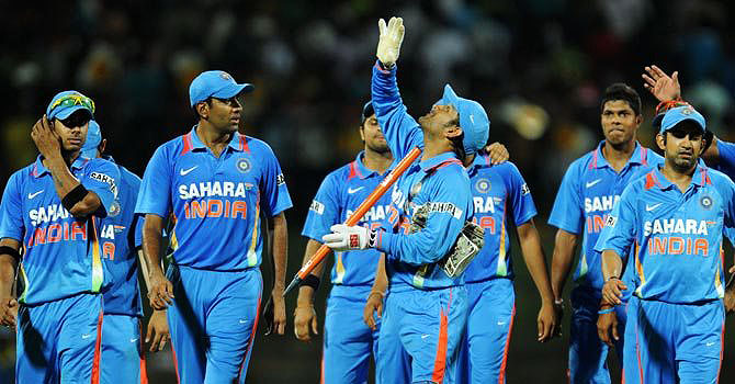 India win low-scoring thriller as Pakistan crumble