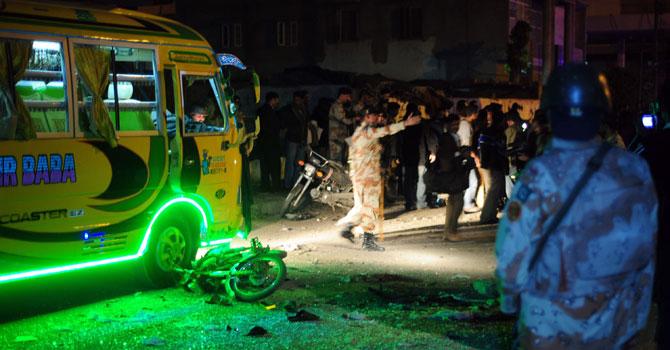 karachi-blast-Jan1-AFP-670