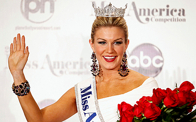 Miss America 2013 Mallory Hytes Hagan, 23, Miss New York, poses during a news conference after winning the Miss America Pageant in Las Vegas January 12, 2013. REUTERS/Steve Marcus (UNITED STATES - Tags: ENTERTAINMENT)