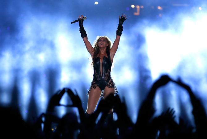 Singer Beyonce performs during the Pepsi Super Bowl XLVII Halftime Show at the Mercedes-Benz Superdome on February 3, 2013 in New Orleans, Louisiana.   — AFP Photo