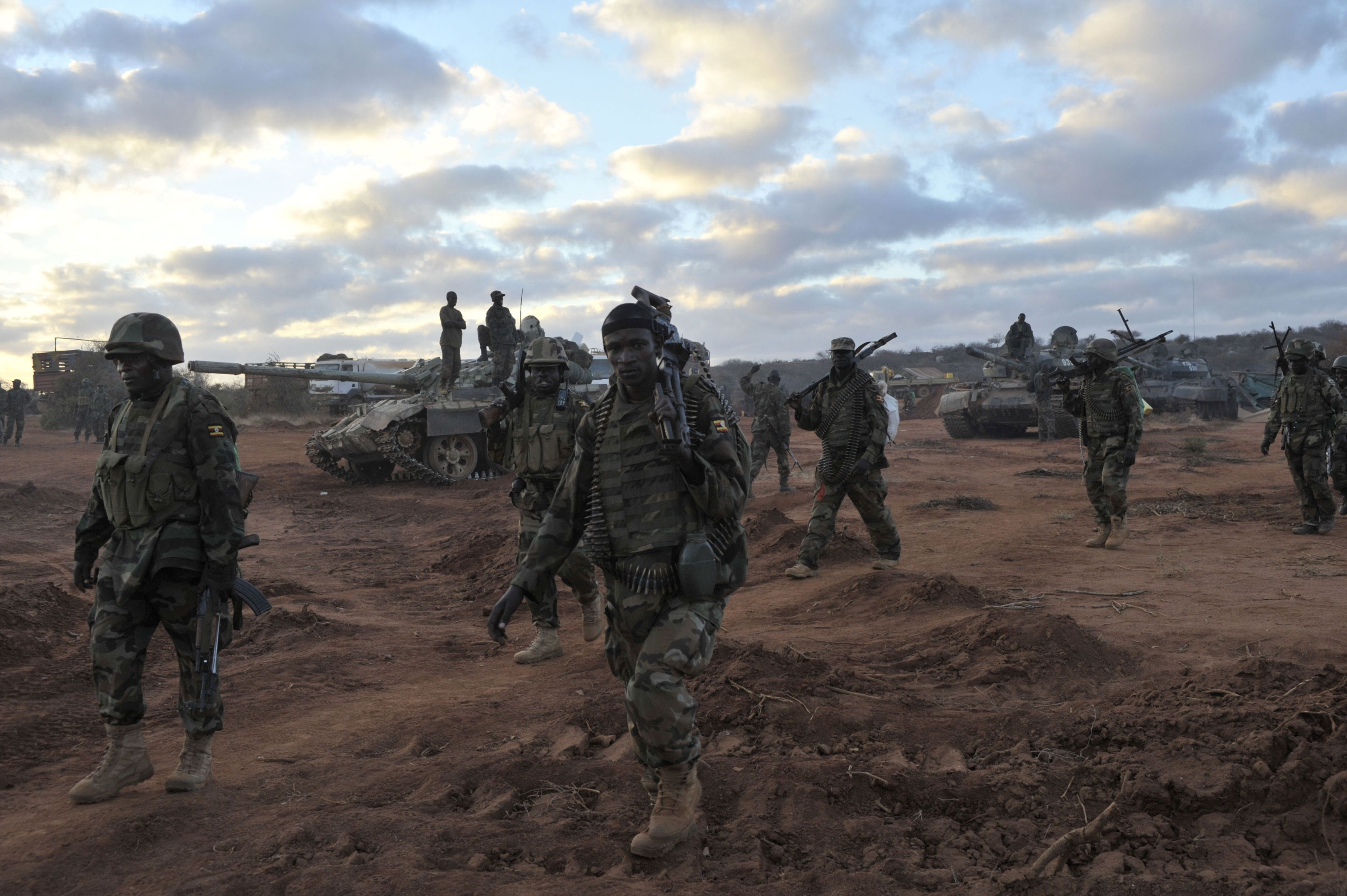 Ugandan soldiers, operating under the African Union Mission in Somalia (AMISOM), march towards Buurhkaba from their former position in the town of Leego alongside members of the Somali National Army (SNA).?Photo by Reuters