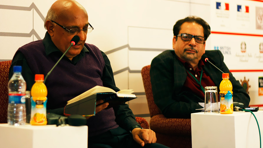 Amjad Islam Amjad and Ahmed Shah (L-R) at  the session 'Conversation with Amjad Islam Amjad'. - Photo by Eefa Khalid