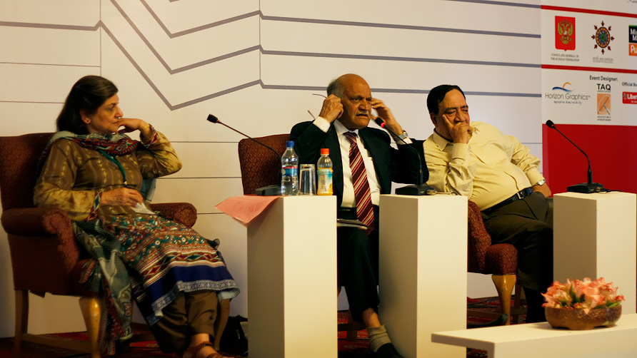 Sarwat Mohiuddin, Anwar Masood and Ata ul Haq Qasmi (L-R). -Photo by Eefa Khalid/Dawn.com