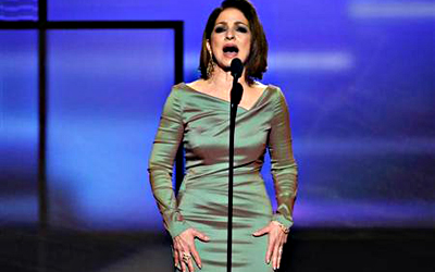 Gloria Estefan introduces Christina Aguilera's performance at the 40th American Music Awards in Los Angeles, California, November 18, 2012. — Reuters Photo