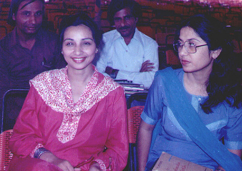 Mahtab Rashidi (left) with a friend in Karachi (1983).