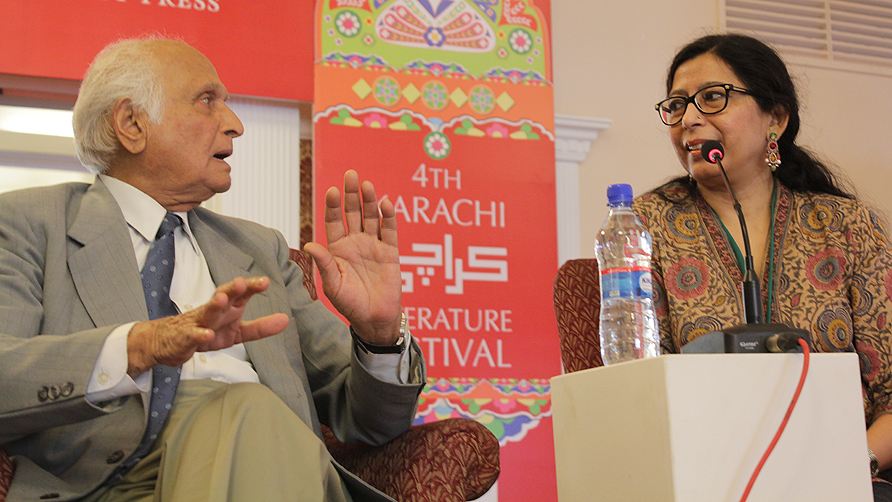 Intizar Hussain speaks with Mehr Afshan Farooqui. - Photo Alisia Pek / Dawn.com