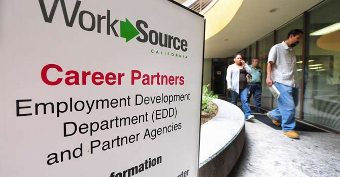 The US unemployment rate rose to 7.9 percent in January from 7.8 percent in December and the economy added 157,000 jobs, the Labor Department said February 1, 2013. -AFP Photo