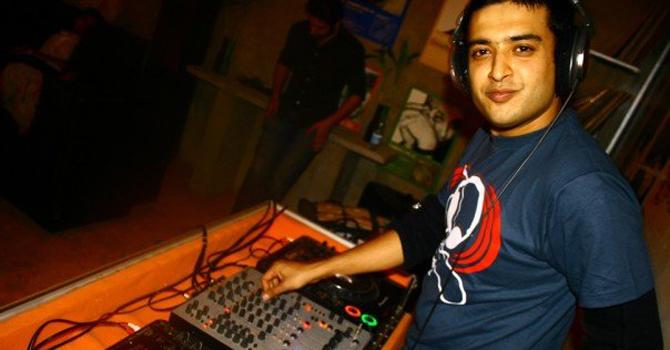 Faisal Baig performing at a gig in Karachi. — Courtesy Photo