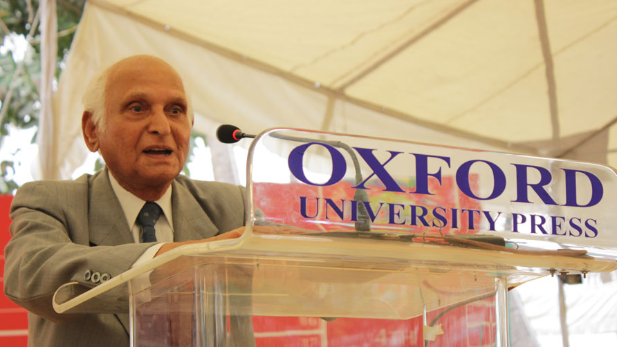 Intizar Hussain at the inauguration. Photo by Alisia Pek Xue Ning/Dawn.com