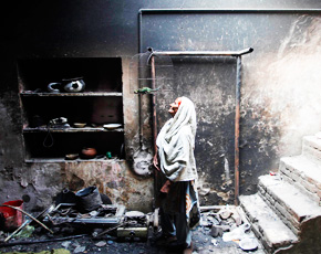 290-Lahore-Christians-attacked-2