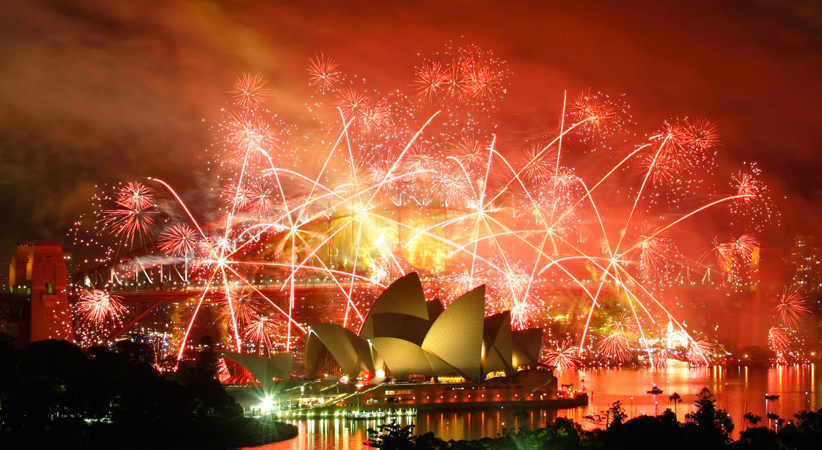 "Fireworks explode over the Sydney Harbour Bridge and Opera House during a pyrotechnic show to celebrate the New Year in this January 1, 2009 file photo. More than 40,000 people from around the globe have applied for Australia's six ""Best Jobs in the World"", leaving Australian tourism officials with the mammoth task of paring the list down to 18 finalists. The six-month jobs, which include ""Outback Adventurer"" and ""Chief Funster"", attracted initial interest from more than 330,000 people from nearly 200 countries bef"