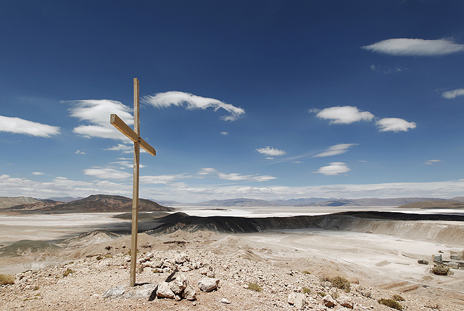 An overview of the Salar del Hombre Muerto, or Dead Man's Salt Flat, an important source of lithium at around 4,000 meters (13,123 feet) above sea level on the border of the northern Argentine provinces of Catamarca and Salta, October 28, 2012. Argentina, Chile and Bolivia hold the planet's largest reserves of lithium, the world's lightest metal and a key component in batteries used to power a range of technologies from cell phones to laptops to electric cars. Industrial production from countries in this so-called