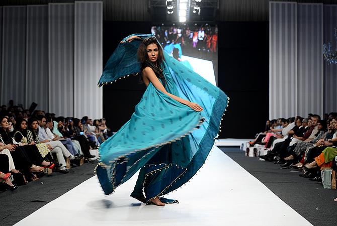 Designer: Gul-Ahmed
